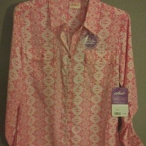 Gorgeous blouse for spring